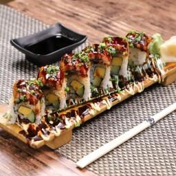 Unagi roll sushi