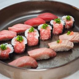 ซูชิปลาทูน่ารวม