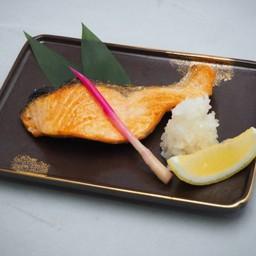 ปลาแซลมอนย่าง