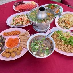 ครัวสมบูรณ์ อาหารตามสั่ง รับทำข้าวกล่อง รับจัดโต๊ะจีน (!!ค่าส่งฟรี!!)