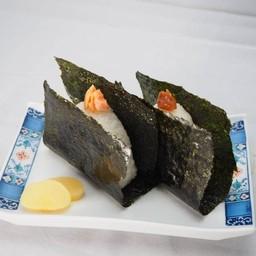 ข้าวปั้นห่อสาหร่ายโนริใส้ปลาแซลมอนเค็ม หรือใส้บ๊วย