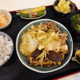 Sukiyaki set (เซ็ทสุกี้ยากี้)