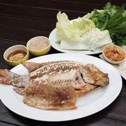 คอนหวัน อาหารตามสั่ง ปลาเผา ส้มตำ