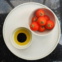 Cherry Tomatoes with Balsamic & Olive Oil