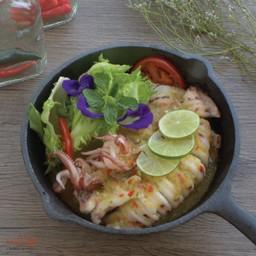 หมึกนึ่งมะนาว Steamed squid with Spicy Sauce