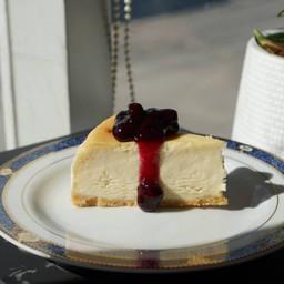 นิวยอร์กชีสเค้ก ซอสบลูเบอรี่ - R