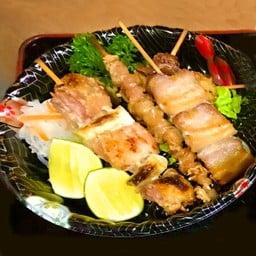 Kushi Yaki Moriawase 5pcs.(salt) เมนูเสียมไม้ย่าง รวม5ไม่ เกลือ