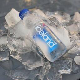 น้ำแร่ ICELAND SPRING WATER
