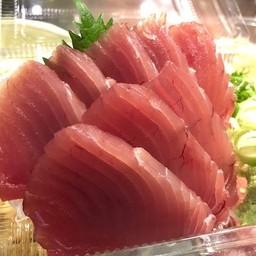 Mejimaguro sashimi