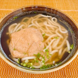 Kitsume Udon อุด้งร้อน เต้าหู้หวานทอด