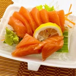 Salmon Sashimi ปลาแซลมอน