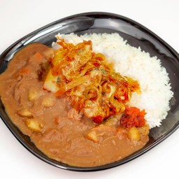 ข้าวแกงกระหรี่หมูผัดกิมจิ