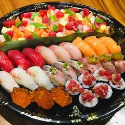 Omakase Sushi Chirashi Set