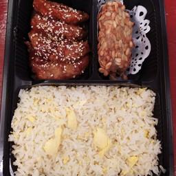 ข้าวผัดไข่+หมูผัดซอสฮ่องกง+เผือกทองคำ