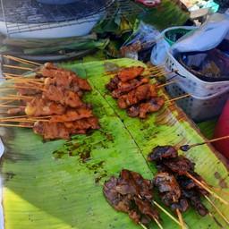 ไก่ หมู ตับ ย่าง วัดในกลาง เพชรบุรี