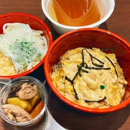 OYAKODON Set meal (Udon) ชุดข้าวหน้าไก่และไข่(อุด้ง)