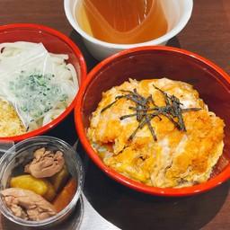 KATSUDON Set meal (Udon) ชุดข้าวหน้าหมูชุบแป้งทอด(อุด้ง)