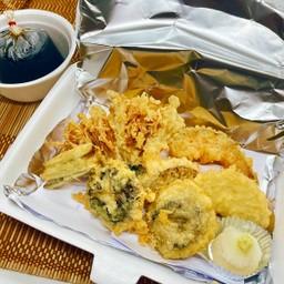 Yasai tempura ผักทอดเทมปุระ