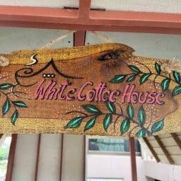 White Coffee House บ้านกาแฟสีขาว