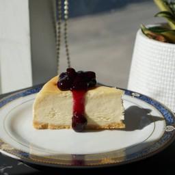 โปรโมชั่นชุด นิวยอร์กชีสเค้กซอสบลูเบอร์รี่ 1 ชิ้น + อเมริกาโน่เย็น 1 แก้ว