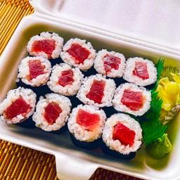 Tekka Maki ข้าวห่อสาหร่ายไส้ปลาดิบ