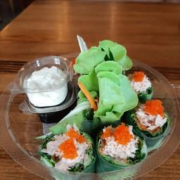 สลัดโรลทูน่า Tuna Salad Roll