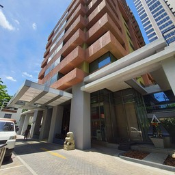 Siri Sathorn Bangkok By Uhg