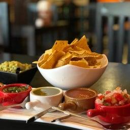 Tacos and Salsa  อ่อนนุช 2/1