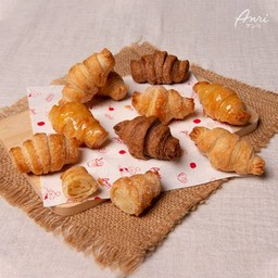 Anri Bakery  ลาดพร้าว (Delivery Center)