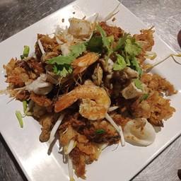 แม่บุญช่วยหอยทอดผัดไทย