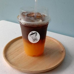 222 Moka Coffee & Orange นายเอก