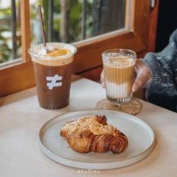 Low Cal Cafe เชียงราย