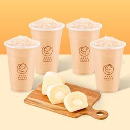 ชานมไข่มุก ไซซ์ M 4 แก้ว + โมจิโรลช็อกโกแลต หรือ โมจิโรลฮอกไกโด