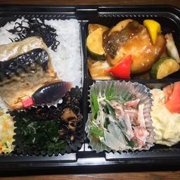 ปลาซาบะกับปลาทาระผัดเปรี้ยวหวาน