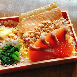 ชุดข้าวหน้าปลาแซลมอน3อย่าง