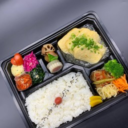 Japanese Omelette Lunch Box(板前のだし巻き弁当)