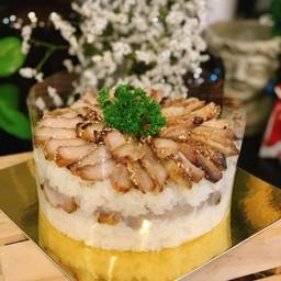เค้กคอหมูย่างข้าวคั่ว ขนาด 2 ปอนด์