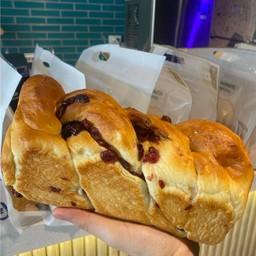 ขนมปังแครนเบอรรี่