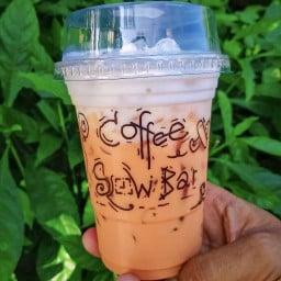Coffee Slow Bar Amnatcharoen บาร์กาแฟดริปเล็กๆริมทาง