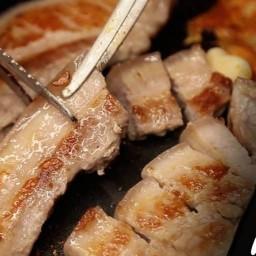 หมูย่างเกาหลี & หมูทอด 돼지고기 구이 มิสเตอร์ตูมตาม คลองเรียน 2