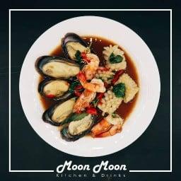 ครัวมูนมูน Moon Moon Kitchen and Drinks หนองปลิง-นครสวรรค์