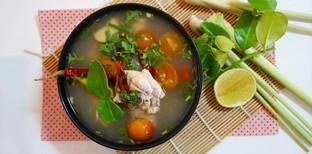"""วิธีทำ """"ต้มโคล้งไก่"""" เมนูอาหารไทยแซ่บ ๆ ทำง่าย"""