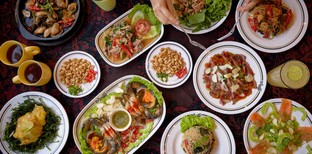 [รีวิว] ปาเต๊ะ ร้านอาหารไทยเสน่ห์ที่ใช่ของคนรักแผ่นเสียงและเครื่องดื่ม