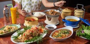 [รีวิว] ครัวนอกบ้าน อาหารพื้นเมืองภูเก็ต เครื่องแกงเด็ด จัดจ้านทุกเมนู