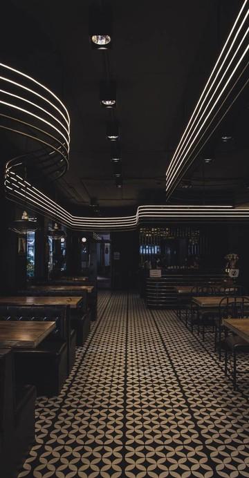 เอาใจสายร็อค ด้วยร้านแฮมเบอเกอร์และบาร์ชื่อดังประจำย่านลอยเคราะห์ที่รีโนเวทใหม่