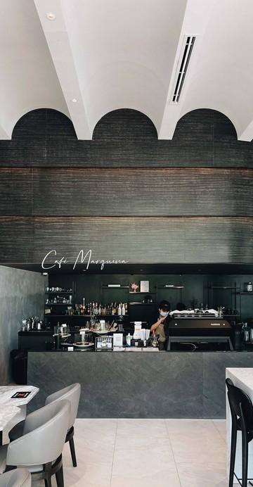 ร้านกาแฟภายในล็อบบี้โรงแรมขนาดเล็กใกล้สถานีบีทีเอสวงเวียนใหญ่ กับดีไซน์แบบคลาสสิกแบบ Facade