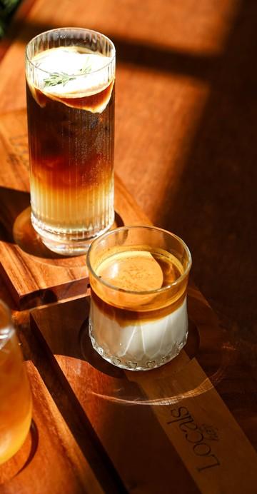 """""""Dirty"""" เมนูกาแฟซิกเนเจอร์ของร้าน ให้กลิ่นหอมของกาแฟชั้นดี ส่งตรงจากไร่กาแฟจังหวัดเชียงใหม่"""