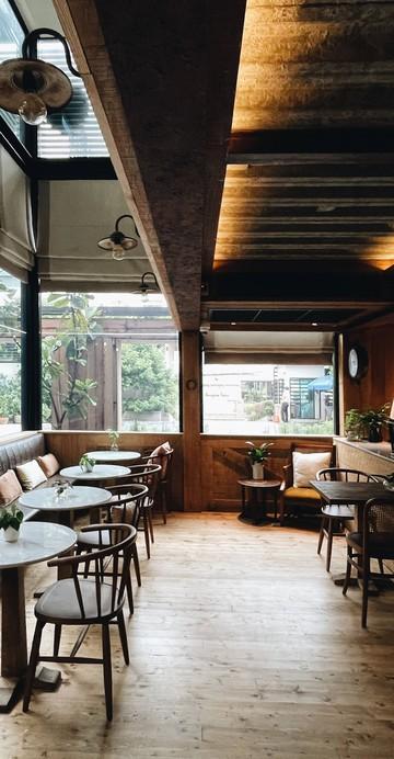 ร้านกาแฟพร้อมโรงคั่วย่านบางเขนกับสาขาใหม่ที่เพิ่มในส่วนของเบเกอรีที่ชั้นล่างโซนคาเฟ่ และอาหารที่ชั้น 2 ของร้าน