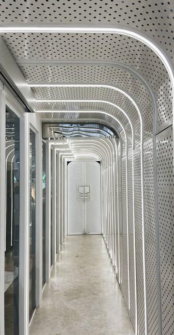 ปรับโฉมสาขาอารีย์ เพิ่มโซนเบเกอรีอบสดใหม่ ดีไซน์ร้านใหม่โซนด้านหน้ากับขนมอบต่าง ๆ ได้กลายเป็นมุมเรียกแขกไปแล้ว