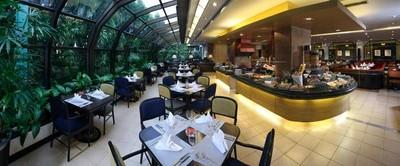 Zeppelin Restaurant (เซพเพลิน)